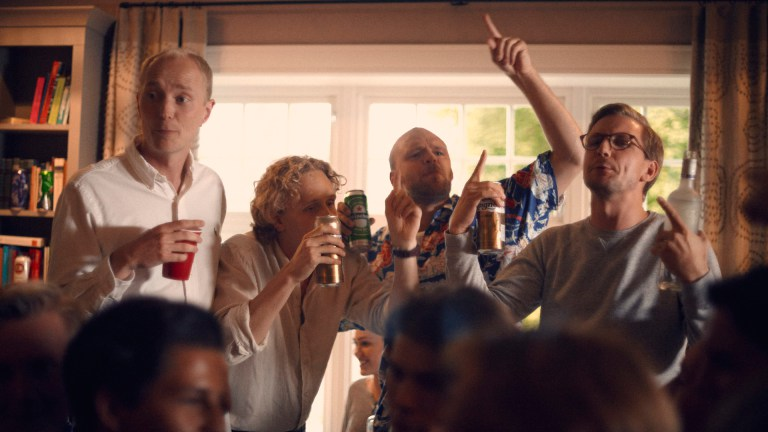 Eirik Hvattum, Jørgen Evensen, Torjus Tveiten og Johannes Fürst har skrevet og spiller hovedrollene i Hvite gutter. (Foto: TVNorge)